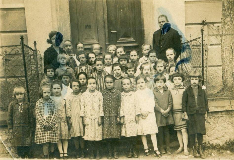 deklice-roj-1921-2-razred
